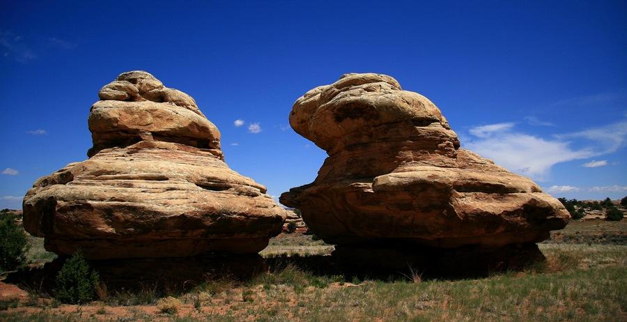 Twin rocks 1 G