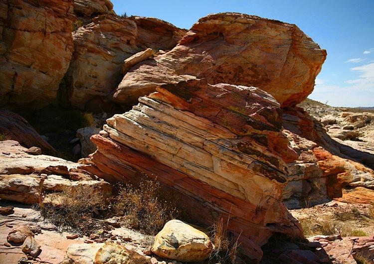 rocks m
