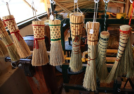 broom shop i