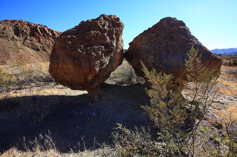 twin rocks a