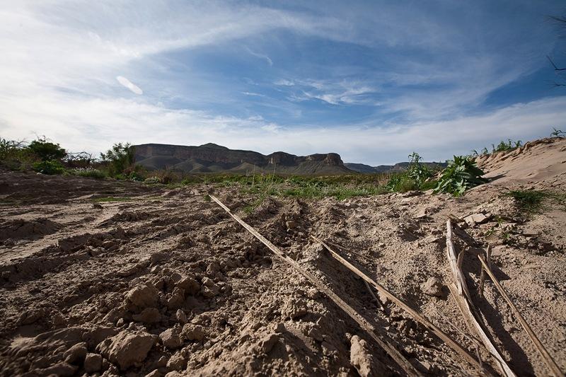 dirt road a
