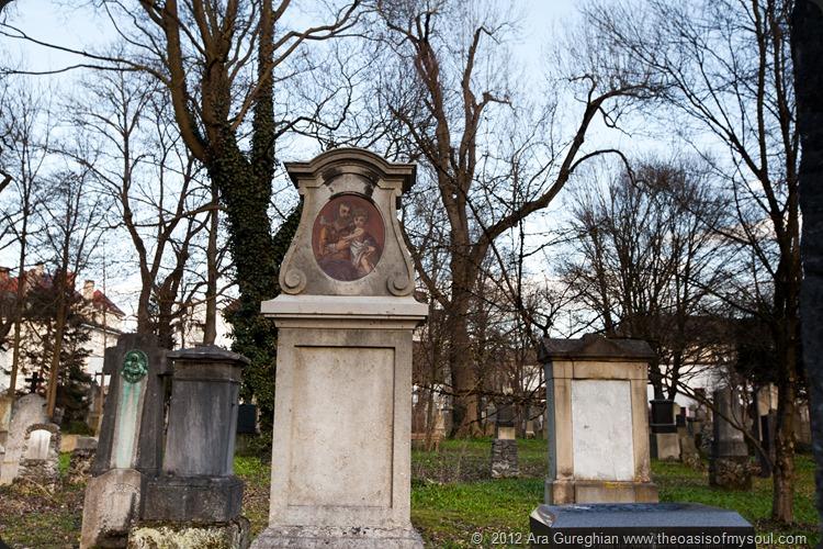 Munich Cemetery-14 xxx